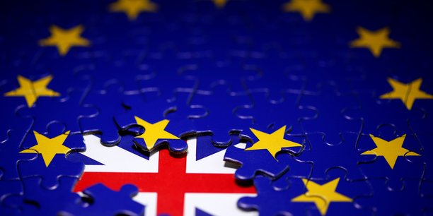 Le brexit pesera plus sur l'economie britannique que sur l'ue, estime la commission europeenne[reuters.com]