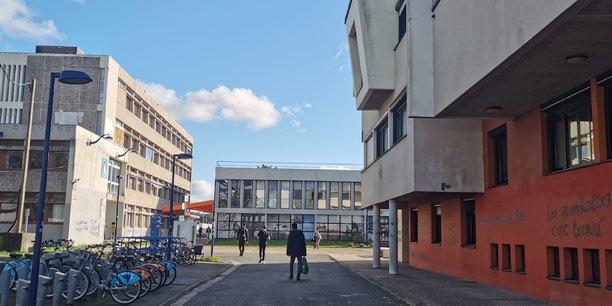 A la faculté Bordeaux Montaigne, la reprise des cours en présentiel entamée fin janvier priorise les étudiants de première année.