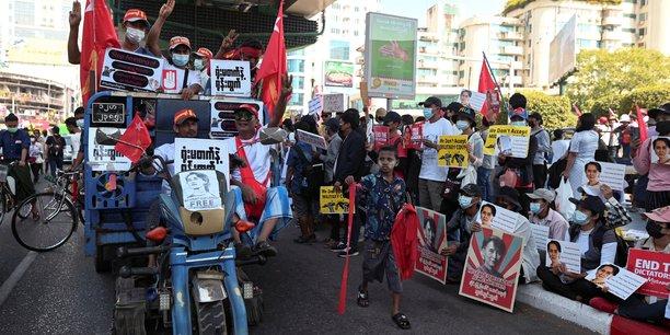 """Résultat de recherche d'images pour """"irrawaddy myanmar manifestations"""""""