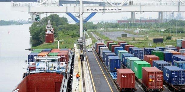 Sorte de gare de triage, le terminal multimodal du Havre monte en puissance mais il n'atteint pas encore les objectifs escomptés. Il transborde sur des trains ou des péniches 120.000 conteneurs par an pour un demi million espéré à sa construction.