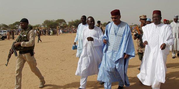 Mohamed bazoum, candidat du parti au pouvoir, elu president du niger[reuters.com]