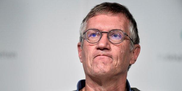 Le variant britannique se propage très rapidement (...) Ce variant sera très probablement la souche dominante (du virus) d'ici quelques semaines, a expliqué Anders Tegnell, mardi. Anders Tegnell, médecin épidémiologiste, a joué un rôle-clé dans les décisions des autorités suédoises pendant la pandémie de grippe A (H1N1) de 2009. En 2020, il occupe le poste d'épidémiologiste en chef de la Suède.