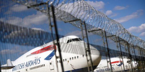 Iag , proprietaire de british airways, affiche une perte de 4,4 milliards d'euros pour 2020[reuters.com]