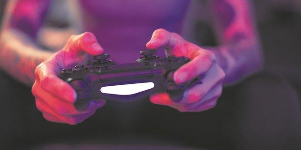 La hausse du temps de jeu liée aux confinements s'est accompagnée d'une augmentation des dépenses, notamment pour l'acquisition de nouveaux jeux.