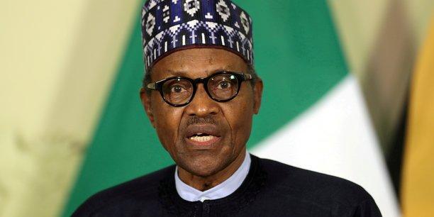 Coronavirus: le president nigerian se fait vacciner pour l'exemple[reuters.com]