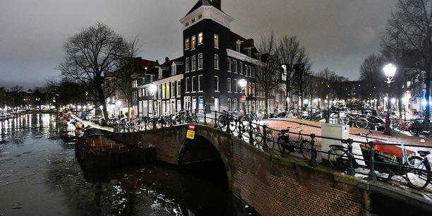 Coronavirus: le gouvernement neerlandais prolonge le couvre-feu jusqu'au 31 mars[reuters.com]