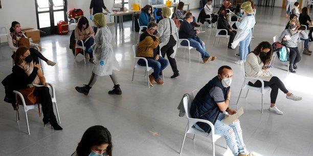 En espagne, 11.958 nouveaux cas et 298 deces lies au coronavirus depuis vendredi[reuters.com]