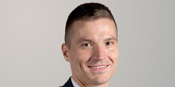 Depuis fin janvier 2021, exit Philippe Duron, l'ex-député-maire (PS) de Caen, le nouveau président du COI s'appelle David Valence, maire (radical) de Saint-Dié-des-Vosges et vice-président de la région Grand-Est chargé des Transports.