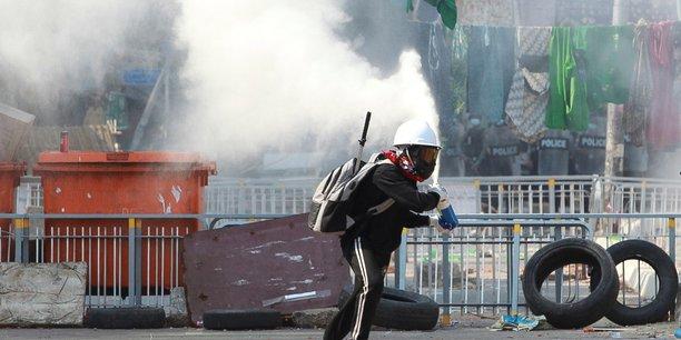 Au moins six manifestants tues en birmanie ou la repression se durcit[reuters.com]