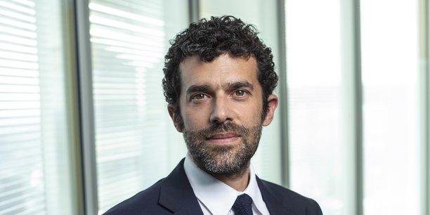 Passé notamment par la Fnac, Fnac-Darty et Oui.sncf, Alexandre Viros préside le groupe d'intérim Adecco depuis août 2020.