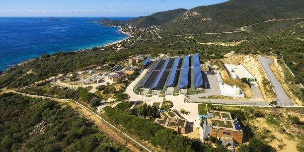 En Corse, la plateforme de recherche Myrte permet déjà de stocker l'électricité grâce à l'hydrogène pour répondre aux pics de consommation.