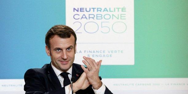 Le président Emmanuel Macron lors d'une visio-conférence de la réunion Finance climat, perspective neutralité carbone 2050, au palais de l'Elysée, à Paris, France, le 12 décembre 2020.