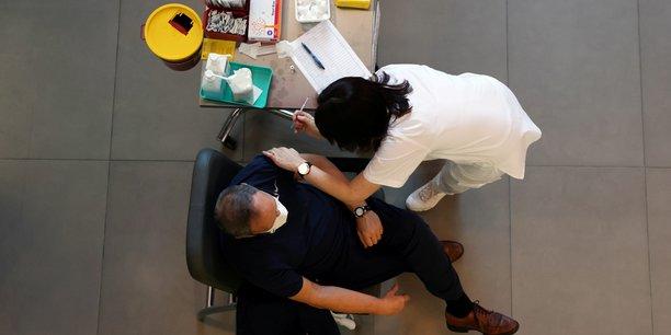 Alors que la France est suspendue aux annonces qui doivent intervenir ce soir, un consortium d'acteurs (comprenant deux lyonnais) s'apprête à proposer une solution de maxi-centres de vaccination clés en main à l'Etat.