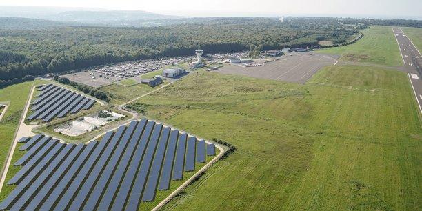 L'aéroport de Deauville vient d'autoriser EDF Renouvelables à construire une centrale solaire de 60 mégawatts au Sud de sa piste.