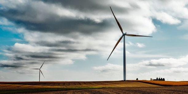 Equipées de fibre optique les éoliennes de Champvoisin (en cours d'assemblage) seront pilotées à distance en cas de tempête ou d'avarie.