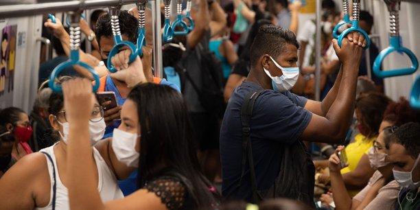 Le Brésil a enregistré un nouveau record de 14,4 millions de chômeurs de décembre 2020 à février 2021, alors que le pays a dépassé jeudi soir le seuil des 400.000 morts du Covid-19.