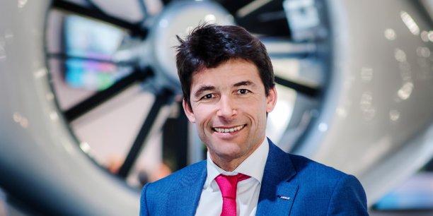 En 2021 et 2022, j'anticipe une agressivité commerciale beaucoup plus forte de la part de nos concurrents américains et de Leonardo : un marché qui se restreint, est un champ de bataille commercial. L'enjeu de tous les hélicoptéristes est aujourd'hui de se donner de la visibilité en termes d'activités. En conséquence, cette période va être très difficile. (Bruno Even, PDG d'Airbus Helicopters)