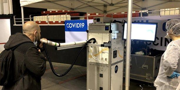 Grâce aux souffles analysés chez des patients Covid+ à travers un spectromètre de masse, le projet COVIDAir mené par des chercheurs lyonnais a réussi à modéliser la signature spécifique de l'infection.