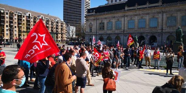 Les salariés de Ferropem ont manifesté devant le palais de justice de Chambéry.
