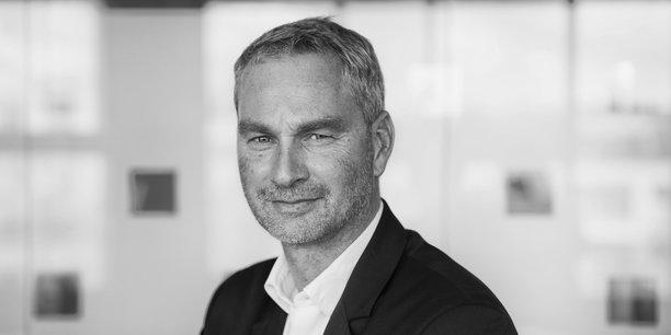 Guillaume-Olivier Doré est un entrepreneur spécialiste des marchés financiers, de l'épargne et de l'investissement.
