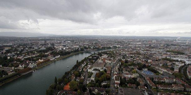 Suisse: des lyceens sanctionnes apres avoir falsifie un test positif de covid-19[reuters.com]