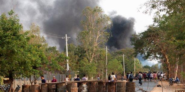 Birmanie: plus de 80 morts dans la repression d'une manifestation[reuters.com]
