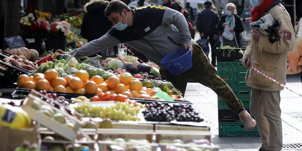 France: retour de l'economie a son niveau pre-crise d'ici mi-2022, estime villeroy[reuters.com]
