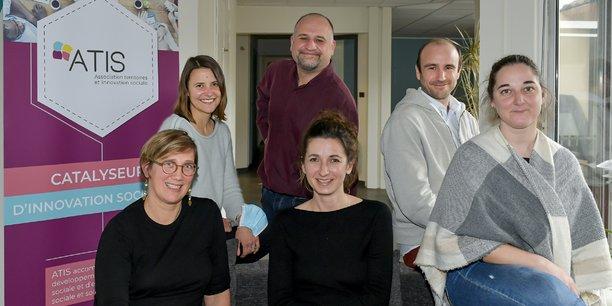 L'incubateur Atis, spécialisé dans l'accompagnement des projets d'économie sociale et solidaire, est basé à Bordeaux et financé par la Région, le Département, la Métropole et plusieurs communes de l'agglomération bordelaise.