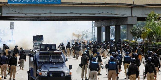 Des reseaux sociaux bloques au pakistan confronte a un climat de violences[reuters.com]