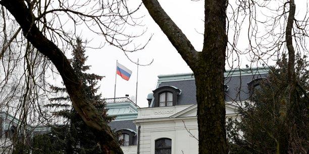 Prague expulse 18 diplomates russes dans l'enquete sur l'explosion de vrbetice[reuters.com]