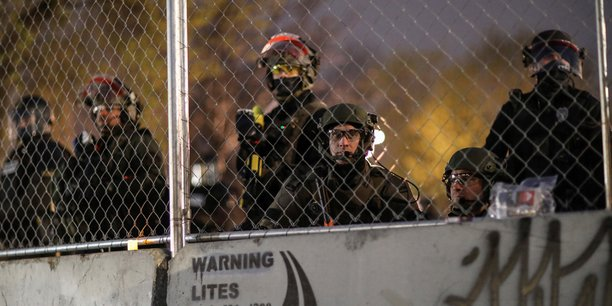 La police du minnesota promet de ne pas arreter les journalistes qui couvrent les manifestations[reuters.com]