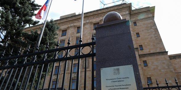 La russie promet des represailles contre prague apres l'expulsion de ses diplomates[reuters.com]