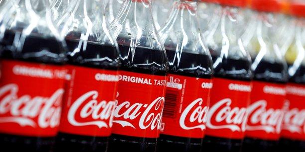 Coca-cola depasse les attentes au 1er trimestre grace a la levee des restrictions[reuters.com]