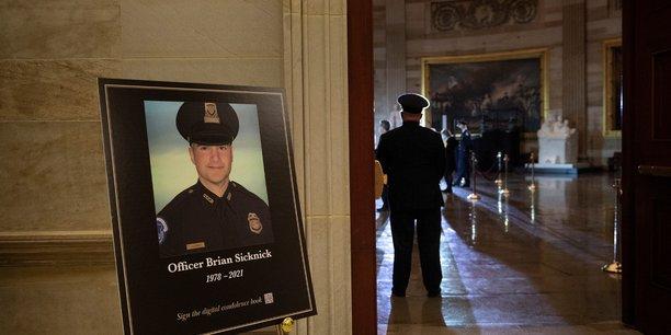 Usa/capitole: le policier attaque le 6 janvier est decede de cause naturelle[reuters.com]