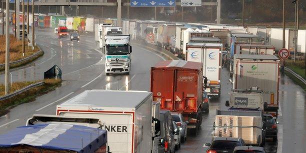 Livraisons, déménagements, transport lourd de fret ou voyages touristiques par autocar: le texte encadre l'activité des plateformes d'intermédiation numérique opérant dans le transport routier de marchandises, les obligeant à s'assurer que les services proposés respectent la réglementation.