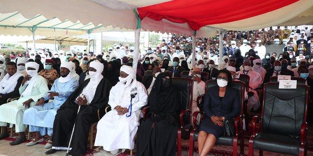 Funerailles de deby au tchad, les rebelles vises par une frappe[reuters.com]