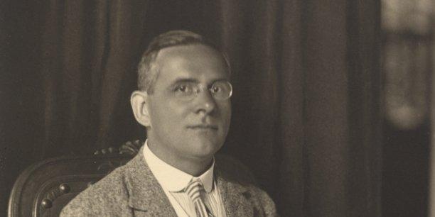 Le philosophe Moritz Schlick (1882-1936) fut l'un des fondateurs du Cercle de Vienne. Son assassinat en 1936 par un de ses étudiants, sympathisant nazi, entraîna la fin du Cercle.