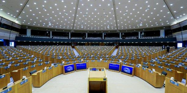 Coronavirus: le certificat europeen franchit une premiere etape au parlement[reuters.com]