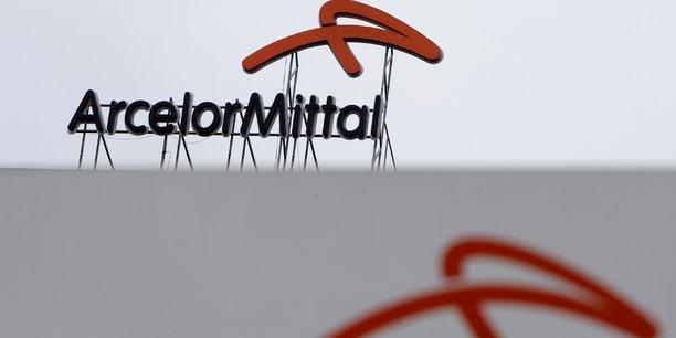 Afin de parvenir à moins polluer, ArcelorMittal mise notamment sur des techniques utilisant l'hydrogène vert comme combustible dans ses hauts fourneaux.