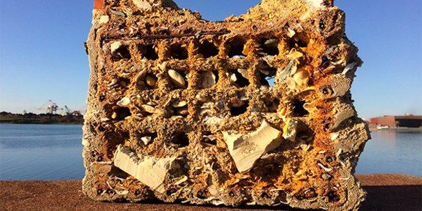 Le procédé de Géocorail permet de former des agrégats naturels à base de déchets coquillés issus de la filière conchylicole locale autour du bassin de Thau.