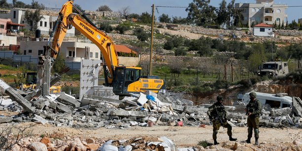 Des puissances europeennes demandent a israel de stopper l'extension de ses colonies[reuters.com]