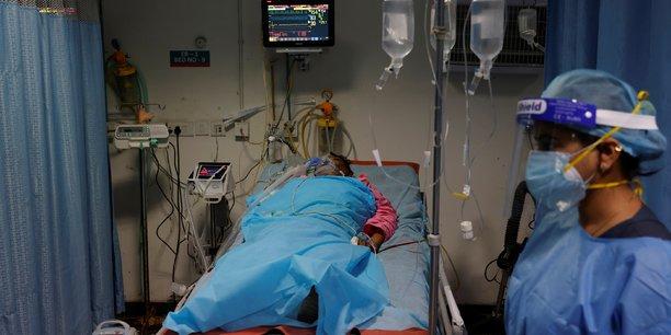 Coronavirus: plus de 4.000 morts et 400.000 cas en un jour en inde[reuters.com]