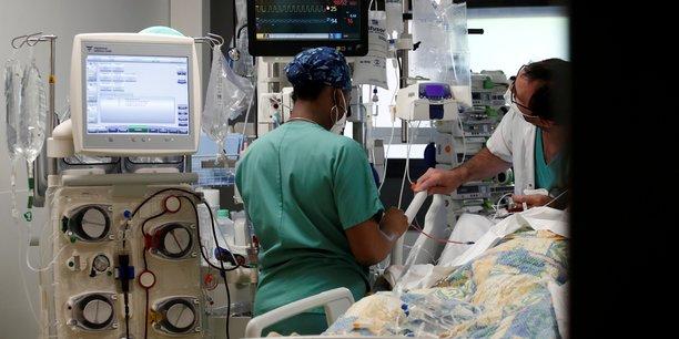 Coronavirus: le nombre de patients en reanimation continue a baisser en france[reuters.com]
