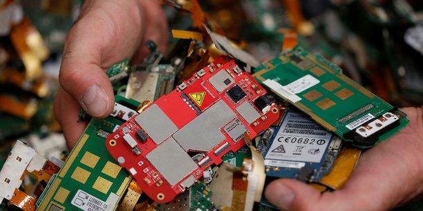 En plus des déchets électriques et électroniques, Péna recycle aussi du nickel.
