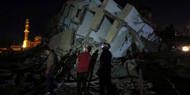 Israel intensifie ses raids a gaza, des roquettes visent tel aviv[reuters.com]