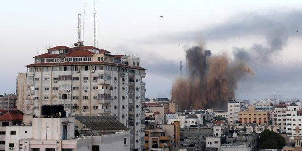Israel et le hamas intensifient leurs bombardements, des dizaines de morts[reuters.com]