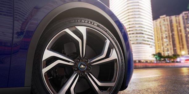 Avec le Pilot Sport EV, Michelin se positionne sur le segment très premium des voitures électriques sportives.