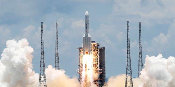 La chine reussit a faire atterrir un robot sur mars[reuters.com]