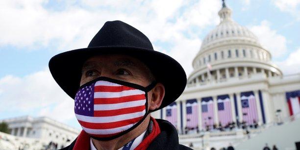 Enlever le masque ? des americains confus face aux nouvelles regles[reuters.com]