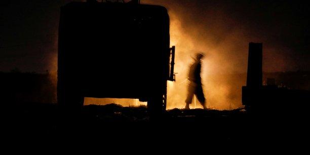Israel lance des dizaines de frappes aeriennes contre gaza[reuters.com]